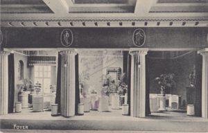 SGML_1920er_Blick vom Foyer ins Seitenfoyer rechts